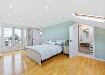 2 bed flat for sale in Wray Crescent, London N4