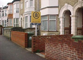 Thumbnail 2 bedroom flat to rent in Cranbury Avenue, Southampton