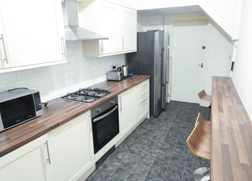 5 bed terraced house to rent in Gordon Avenue, Westbourne Street, Hull HU3