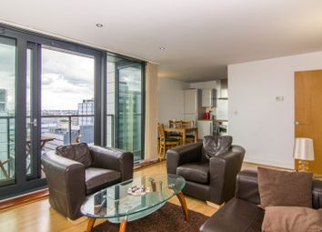 Thumbnail Flat to rent in Blackwall Way, Canary Wharf