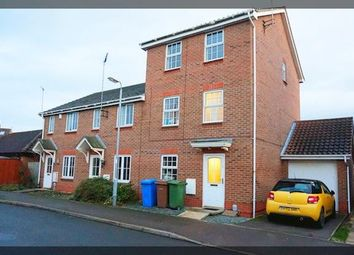 Thumbnail 3 bed town house to rent in Meden Avenue, Brough, Hull