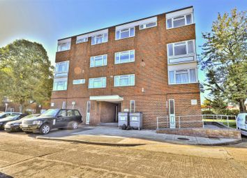 2 bed flat for sale in Black Rod Close, Hayes UB3