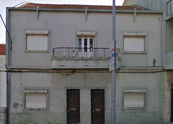 Thumbnail 6 bed apartment for sale in Rua Dos Santos, Moita (Parish), Moita, Setúbal (District), Alentejo, Portugal