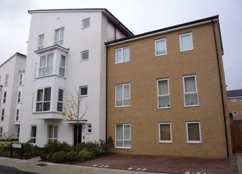 Thumbnail 1 bed flat to rent in Gweal Avenue, Reading, Berkshire