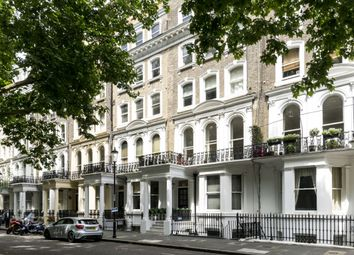 Thumbnail 2 bedroom flat to rent in Beaufort Gardens, London