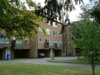 Thumbnail 1 bed flat to rent in Hogarth Court, Steeplands, Bushey