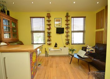 Thumbnail 2 bedroom flat for sale in Lichfield Road, Cricklewood