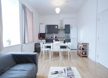 2 bed flat to rent in The Vale, London W3