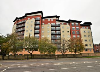 Thumbnail 3 bed flat for sale in Aspects Court, Slough