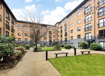 1 bed flat for sale in Capulet Square, Talwin Street, Bromley-By-Bow / Bow E3