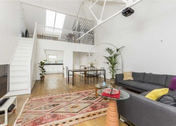 Thumbnail 5 bed property for sale in Welmar Mews, London