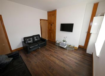 Thumbnail 5 bed property to rent in Hessle View, Hyde Park, Leeds