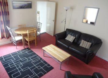 3 bed flat to rent in Albert Road, Southsea PO5