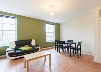 3 bed flat to rent in Sundew Avenue, London W12