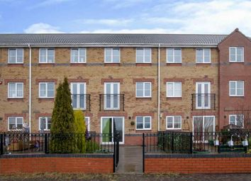 Thumbnail 4 bed terraced house for sale in Riverside Approach, Gainsborough