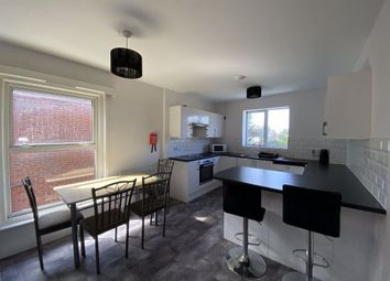 3 bed flat to rent in Carlton Road, Shirley, Southampton SO15