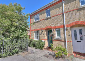 Mimosa Close, Titchfield, Fareham PO15. 3 bed end terrace house