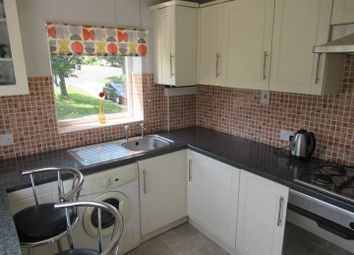 2 bed flat to rent in Park Avenue, Chapeltown, Sheffield. S35