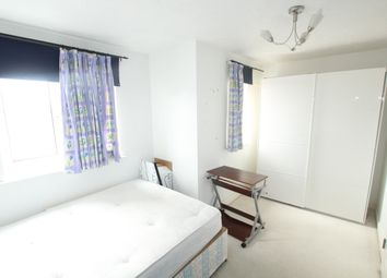 Thumbnail 5 bed shared accommodation to rent in Telegraph Place, Docklands