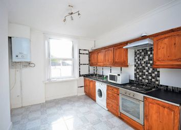 Thumbnail 3 bed flat to rent in Danbury Street, Angel, London