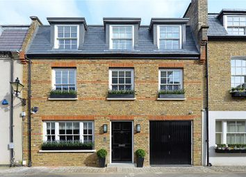 Thumbnail 4 bed mews house to rent in Clabon Mews, London