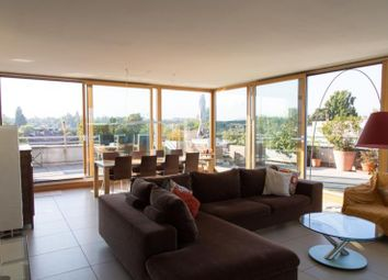 Thumbnail 4 bed apartment for sale in Geneva, Switzerland