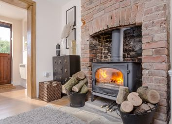 Thumbnail 2 bed cottage for sale in Slough Road, Allens Green, Sawbridgeworth