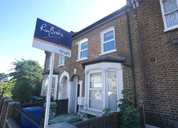3 bed flat to rent in Evelina Road, Nunhead SE15