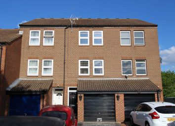 Thumbnail 4 bedroom town house for sale in Curlew Close, London