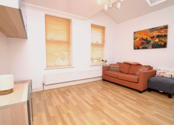 2 bed maisonette to rent in Court Farm Road, London SE9