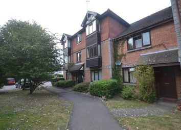 Thumbnail 1 bedroom flat to rent in Reading, Berkshire