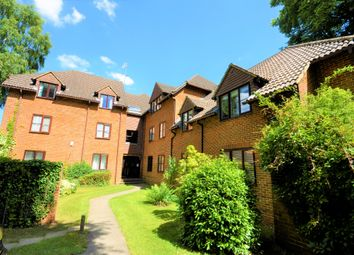 Thumbnail 2 bedroom flat to rent in Summerhouse Road, Godalming