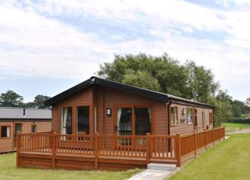 Thumbnail 2 bed mobile/park home for sale in Allostock, London Road, Knutsford, Cheshire