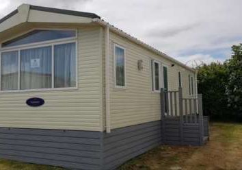 2 bed property for sale in Manston Court Road, Margate CT9