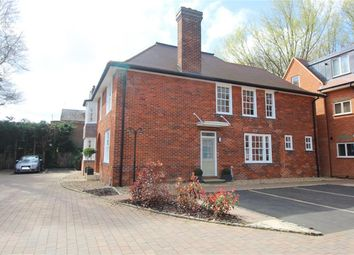 Thumbnail 3 bedroom flat for sale in Gunnells, Stevenage