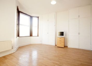 Thumbnail 4 bedroom flat to rent in Orford Road, Walthamstow Village, London