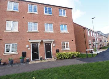 Thumbnail 4 bedroom town house for sale in Lavender Way, Newark
