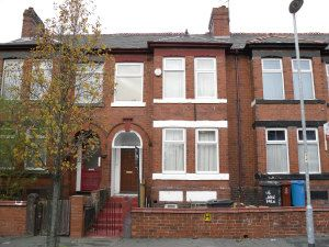 Thumbnail 8 bed shared accommodation to rent in Langdale Road, Fallowfield