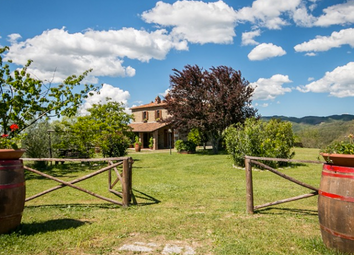 Thumbnail 4 bed country house for sale in Casale La Cinciallegra, Siena, Tuscany, Italy