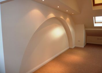 Thumbnail 1 bedroom flat to rent in Commercial Road, Skelmanthorpe, Huddersfield