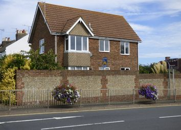 Thumbnail 1 bed flat to rent in Field Place, Littlehampton