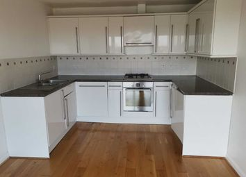 1 bed flat to rent in Hanworth Road, Hounslow TW3