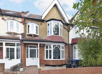Thumbnail 4 bed property to rent in Chatsworth Avenue, London