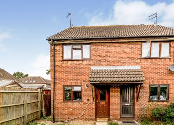 2 bed semi-detached house to rent in York Place, Aylesbury HP21
