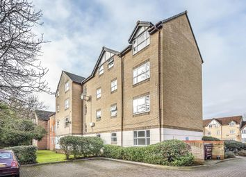 2 bed flat to rent in Charnwood House, Rembrandt Way RG1