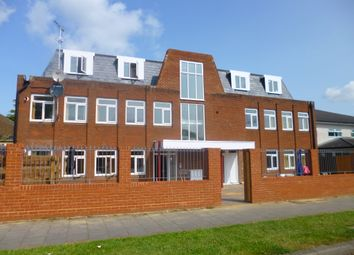 Thumbnail 2 bedroom flat to rent in The Common, Hatfield