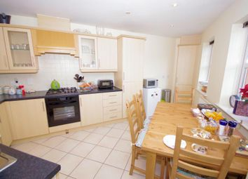 Thumbnail 2 bedroom flat for sale in Shillingford Close, Mill Hill East