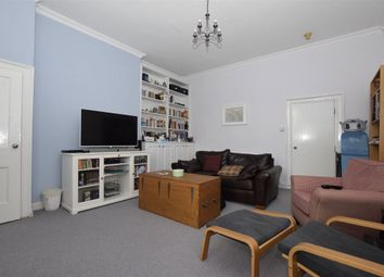 2 bed flat to rent in Hotwell Road, Bristol BS8
