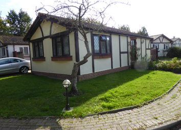 Thumbnail 2 bedroom mobile/park home for sale in Hickstead Park, London Road, Hickstead, West Sussex