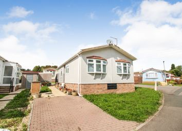 2 bed mobile/park home for sale in Woodlands Park, Almondsbury BS32